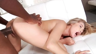 Mandingo fucks a attractive teen Carolina Sweets
