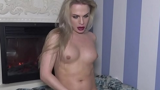 Solo tranny amateur wanking her cock